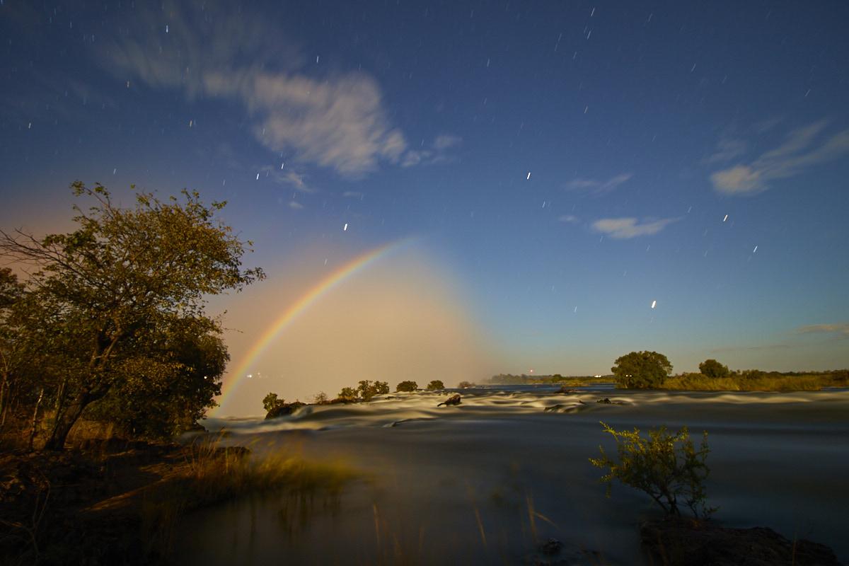 photograph a moonbow